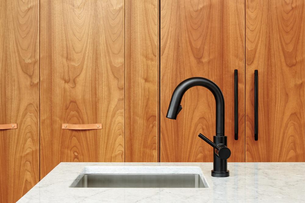 Besoin d'un changement d'évier et de la robinetterie dans votre cuisine?